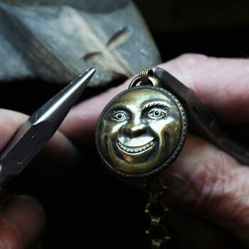 Benchpeg Stephen Einhorn Makes Bespoke Jewellery For